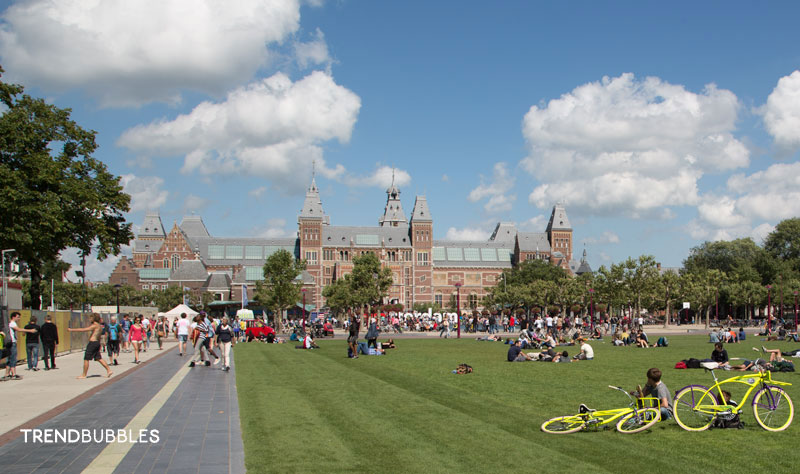 Museumplein Rijksmuseum Amsterdam