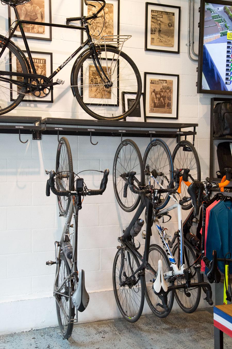 fiets-in-winkel-2