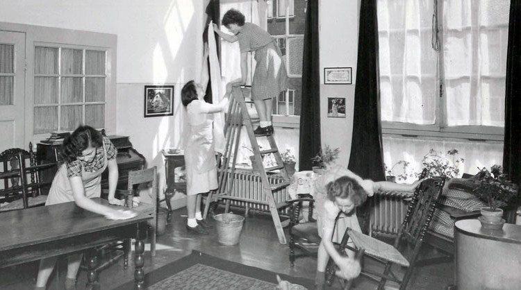 Je huis schoonmaken: vroeger en nu