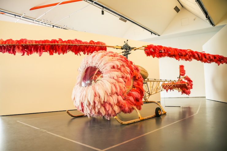 Lilicoptère, 2012 by Joana Vasconcelos in de Kunsthal